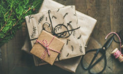 Buying Gifts Online? Ways to Personalize Your Presents